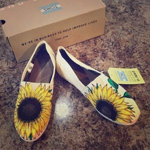 Sunflower Natural Canvas TOMS